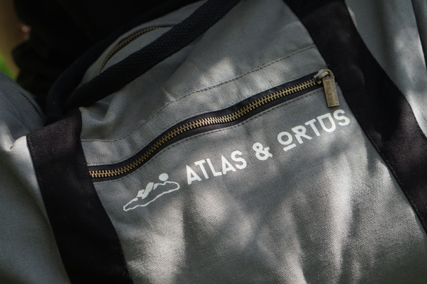 Atlas weekend luggage outdoor bag