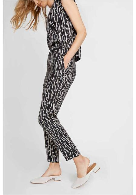 aina-abstract-trousers-in-black-62ed36975dd0