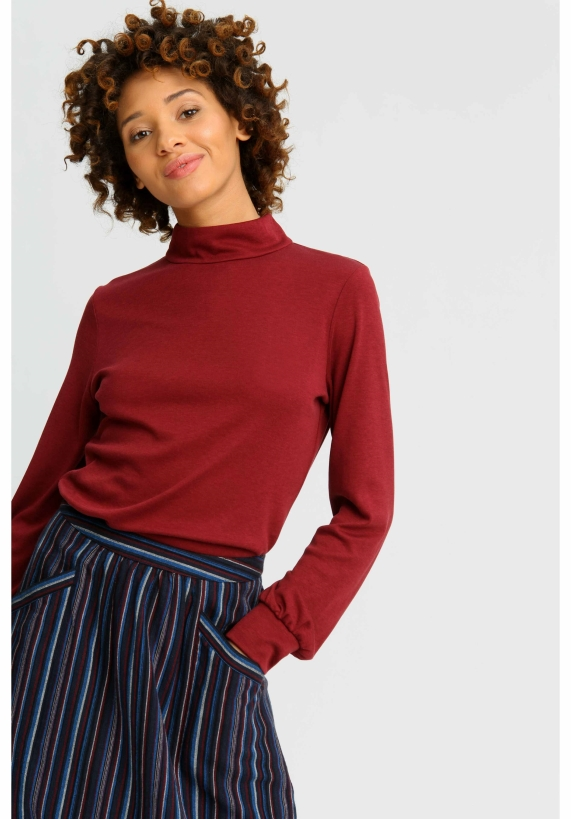 caroline-top-in-burgundy-59387a09bd3f